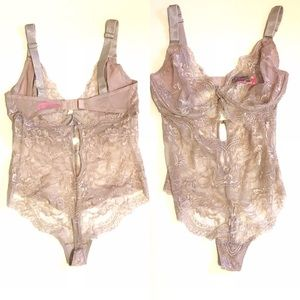 NWOT La Senza Nude Bodysuit szD/DD